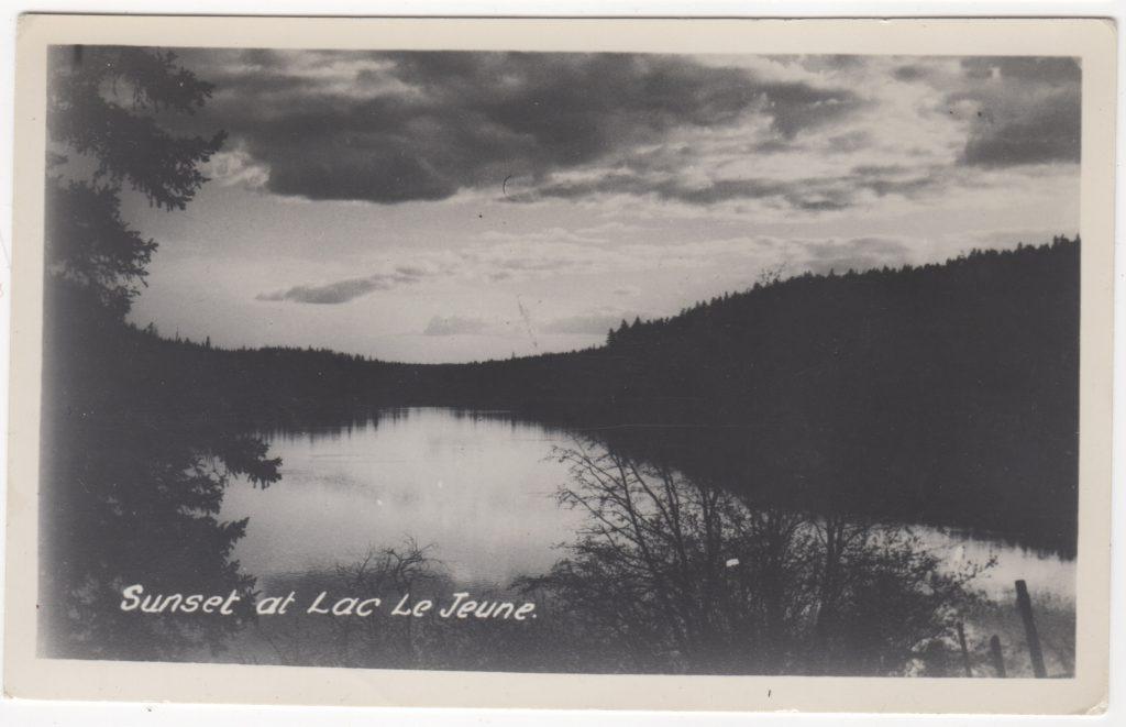 Coucher de soleil, Lac Le Jeune; ca. années 1940 (SHFCB 2016.02.162)