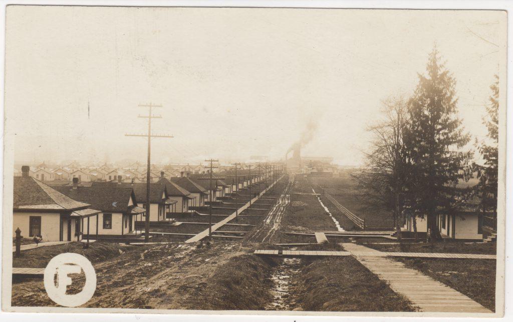 Millside, Fraser Mills, Maillardville, Coquitlam; ca. années 1910 (SHFCB)