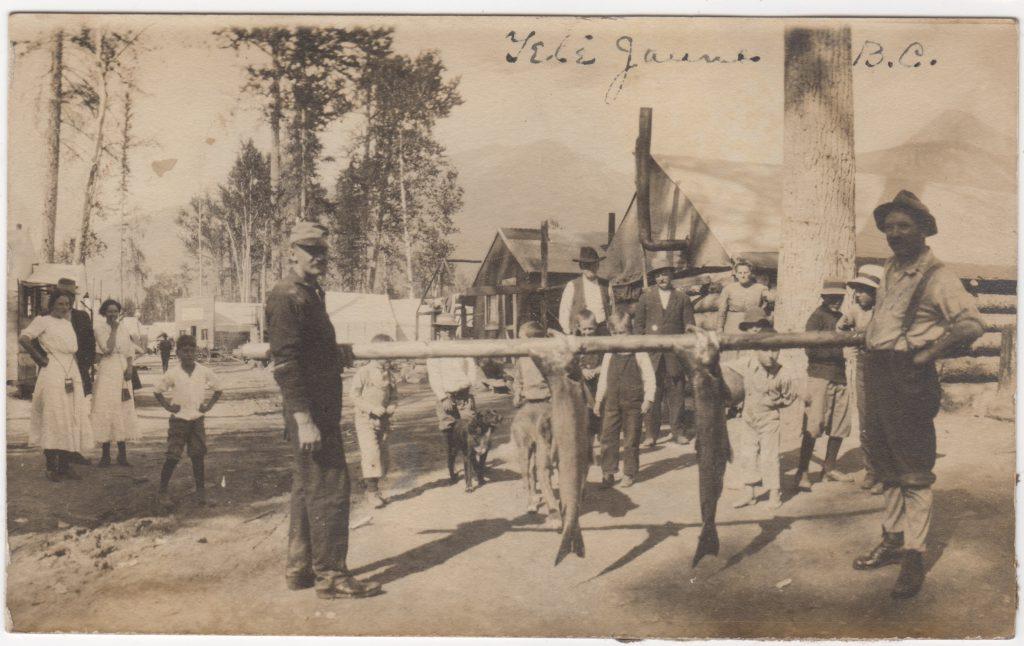 Pêcheurs, Tête Jaune; ca. années 1910 (SHFCB)