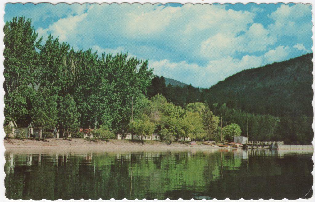 Chalets, baie Trépanier, Peachland; ca. années 1950 (SHFCB 2016.02.97)