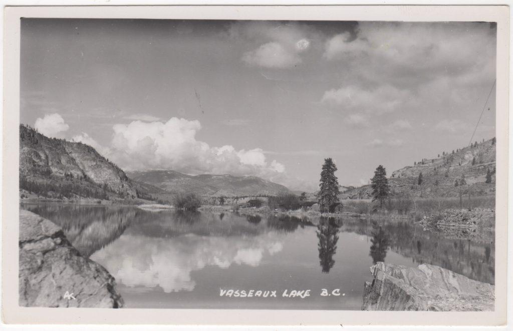 """Lac Vasseaux [sic - devrait être """"Vaseux""""]; posté de Penticton en 1950 (SHFCB 2016.02.151)"""